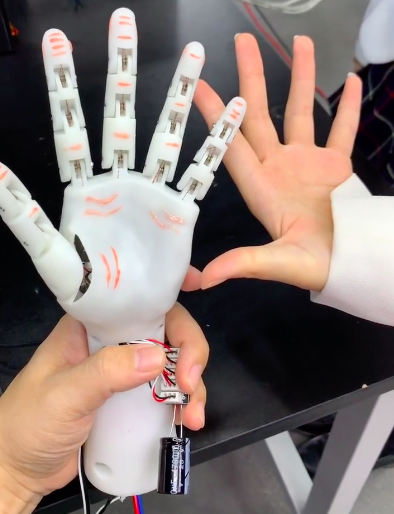 HIgh Five - See the Robotics Hands moving